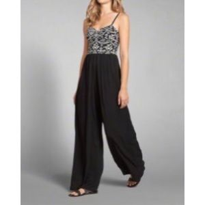 Abercrombie & Fitch Wide-Legged Jumpsuit